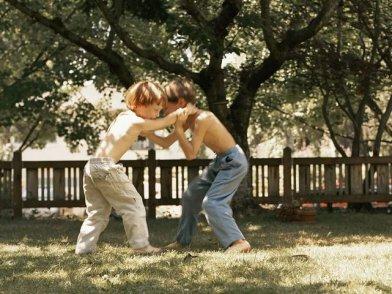 孩子打架,才是考验父母情商和智商的关键时刻!